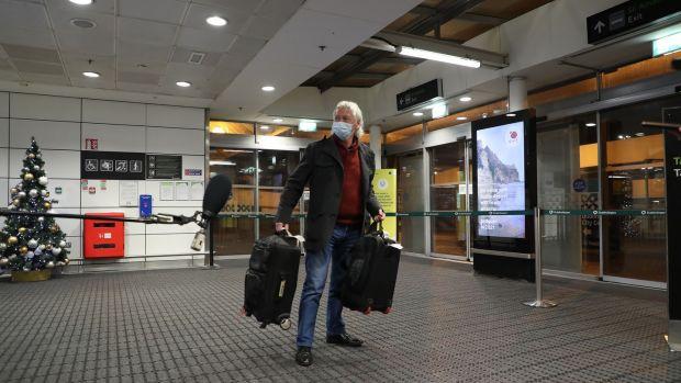 Mick Morrissey de Kilmeaden, Co Waterford, à l'aéroport de Dublin après son retour.  Photographie Nick Bradshaw