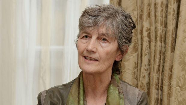 Leas-Cheann Comhairle Catherine Connolly: Ne restez pas si près de moi.  Photographie: Alan Betson / The Irish Times