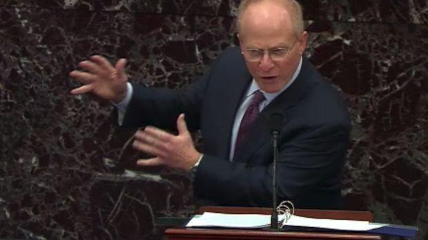 David Schoen, avocat de la défense de Donald Trump, prend la parole dans la salle du Sénat.  Capture d'écran: Télévision du Sénat / Bloomberg