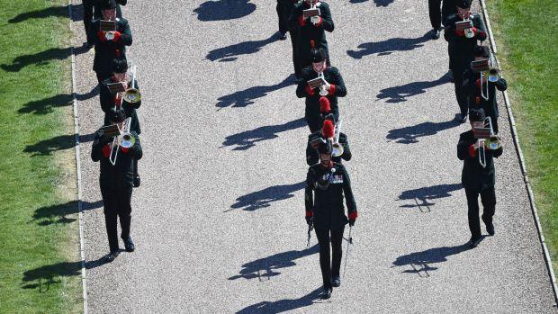 La fanfare de fusils se met en place au château de Windsor à Windsor.  Photographie: Kirsty O'Connor / AFP