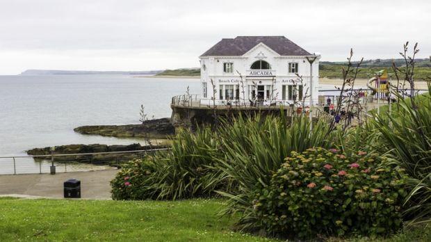 Arcadia Beach (anciennement connue sous le nom de Ladies Beach), à Portrush, peut être sauvage en hiver.